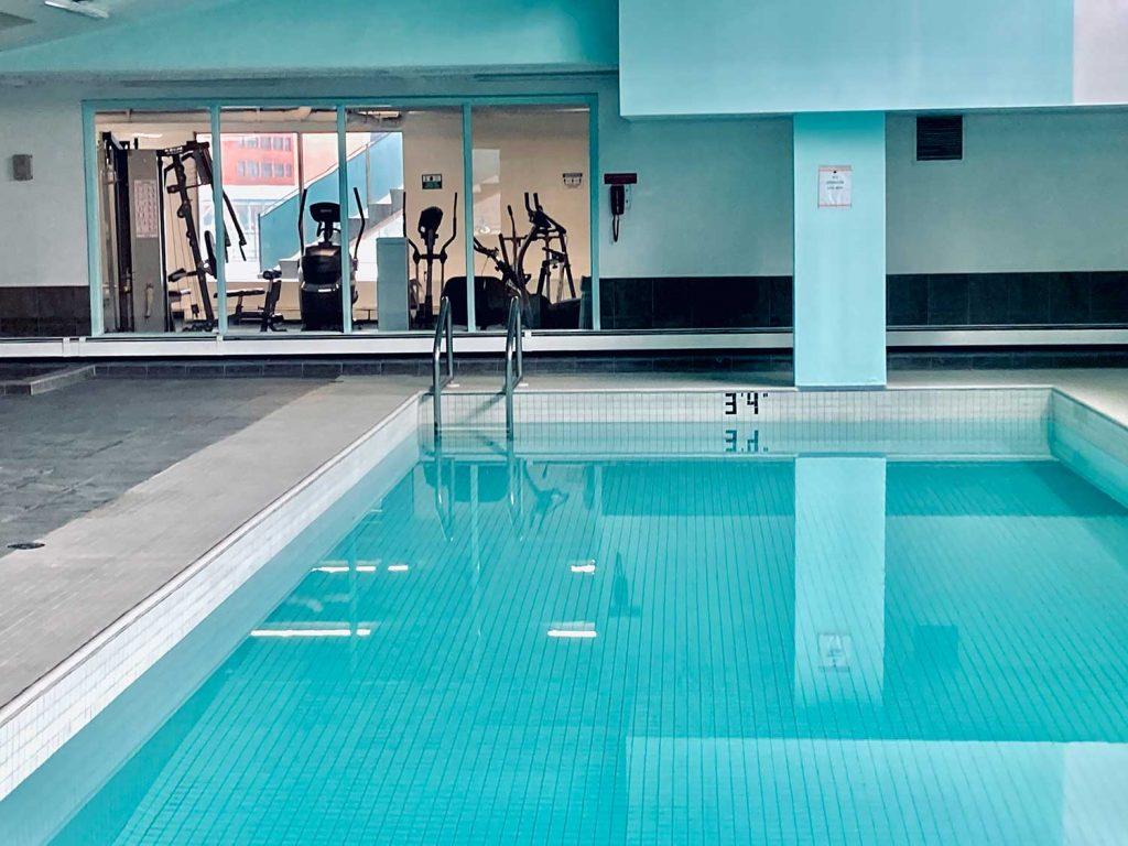Garden Towers Rental Apartments Calgary - Indoor Pool